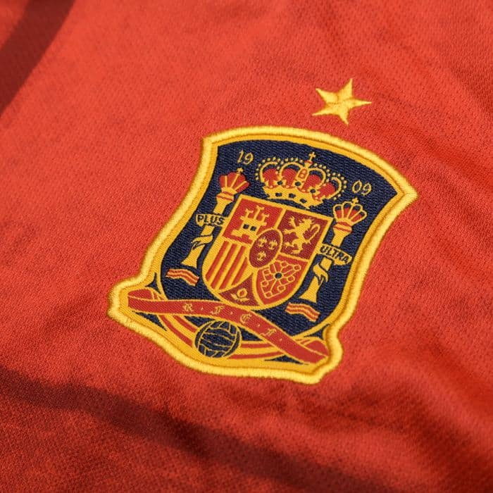 camiseta espana eurocopa 2020 escudo